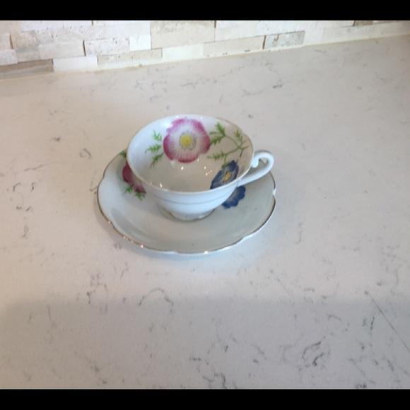 Vintage Other - Cup & Sauces Vintage Set